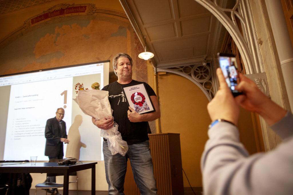 Henrik Flødstrup fra EB fik overrakt Simmel-Prisen. Foto: Anette Sønderby Madsen